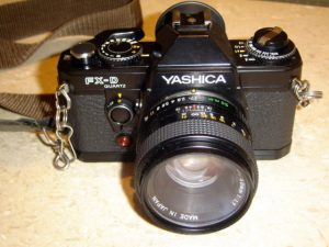 Yashica FX-D, lillebror til Contax